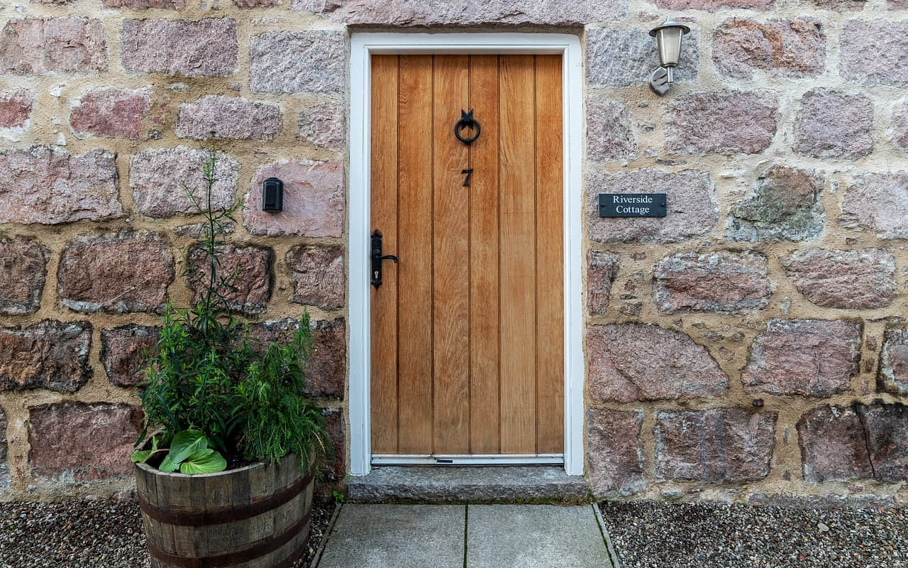 Front door accommodation Ballater