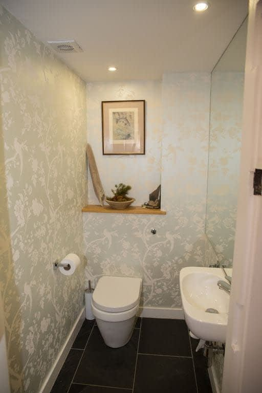 Toilet in Riverside Cottage in Ballater