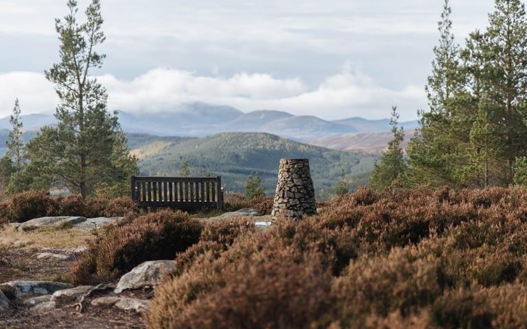 Walking cairngorms near Ballter to Craigendarroch hill